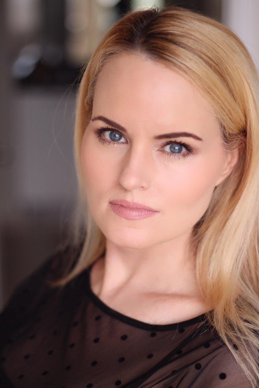 Deanna Rashell – Actress